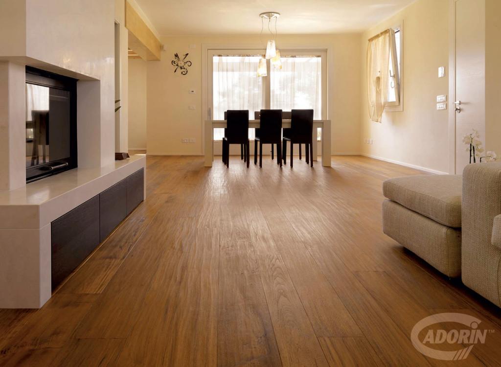 Pavimenti in legno verniciato martinelli ceramiche - Parquet teak bagno ...