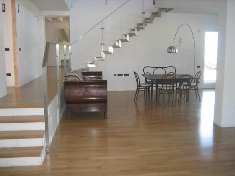 Pavimenti in legno verniciato martinelli ceramiche for Martinelli mobili