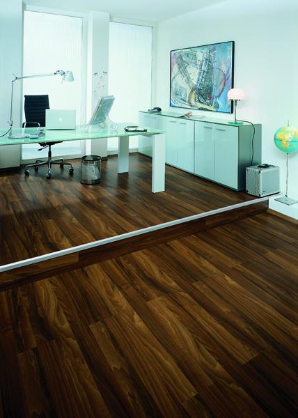 Pavimenti in legno laminato martinelli ceramiche for Martinelli mobili